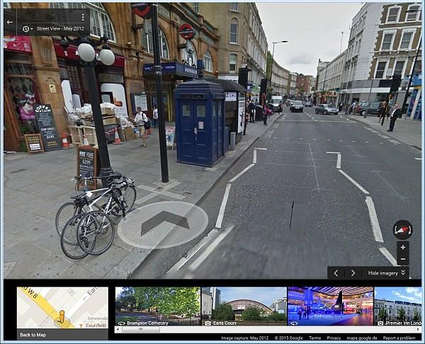 Screenshot Streetview mit blauer Telefonzelle